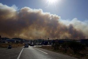 4981085_6_f41d_une-vue-impressionnante-de-l-incendie-au-nord_dffb2951ac2af89f6eeca602d3cc3652
