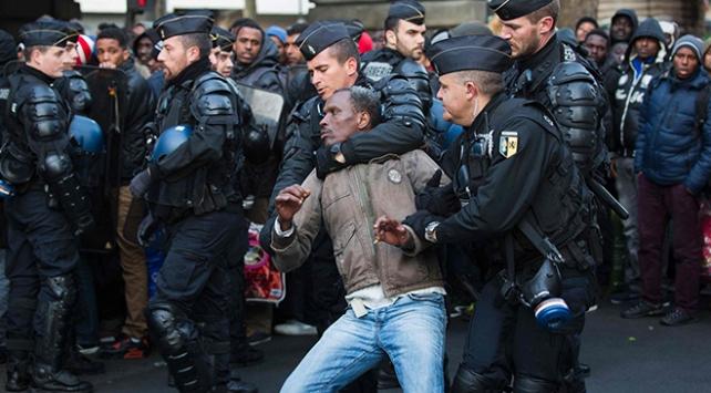 fransa göç yasası ile ilgili görsel sonucu