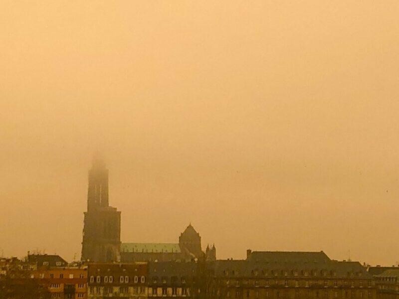 Afrika'dan gelen toz bulutu, Fransa'nın bir bölümünü bugün sarıya boyadı!
